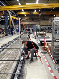 Schienenmontage mit 1,5 / 10 mm Genauigkeit